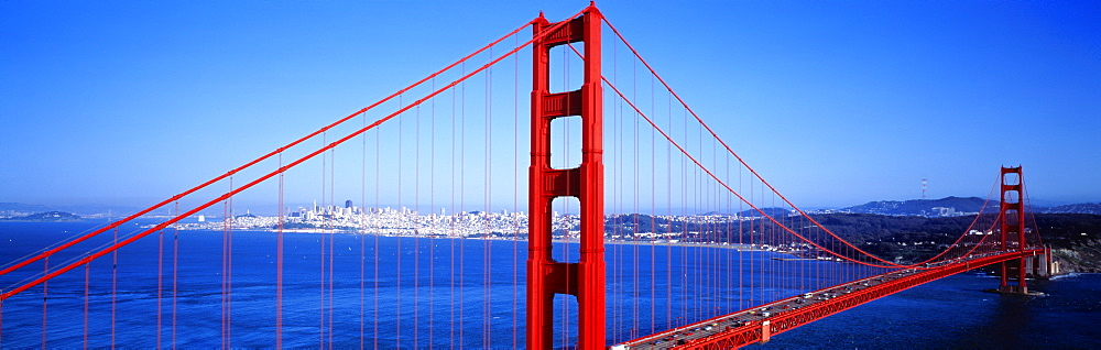 Golden Gate Bridge, San Francisco, California, USA  - 752-1872