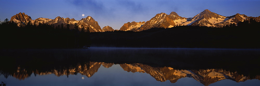 Reflection of mountains on Little Redfish Lake, Sawtooth Mountain, Sawtooth National Recreation Area, Idaho, USA