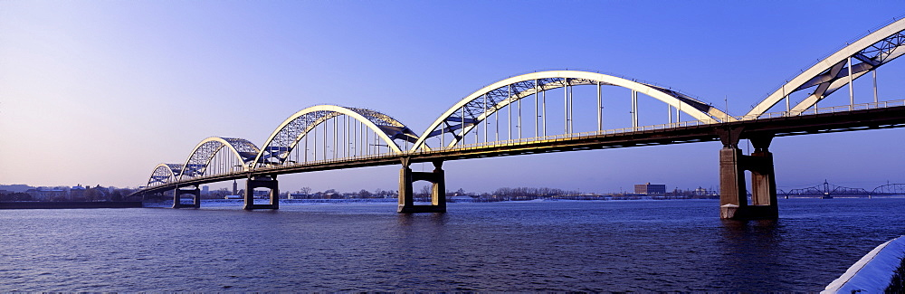 USA, Illinois, Iowa, Centennial Bridge