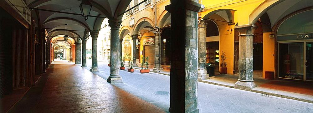 Borgo Stretto, arcaded shopping street, Pisa, Italy
