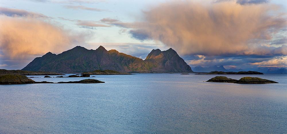 Svolvaer, Austnesfjord, island of AustvÂgoya, Lofoten, Norway, Scandinavia, Europe