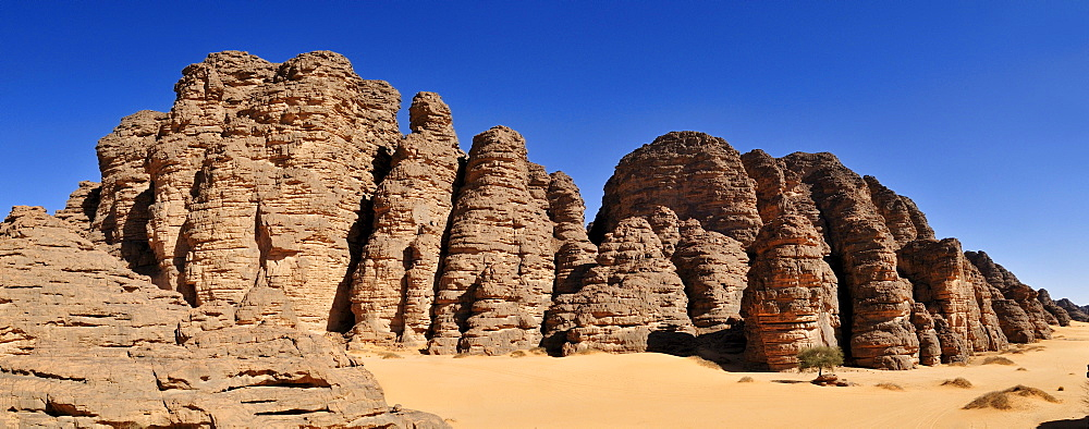 Sandstone rock formation at Tikobaouine, Tassili n' Ajjer National Park, Unesco World Heritage Site, Wilaya Illizi, Algeria, Sahara, North Africa, Africa