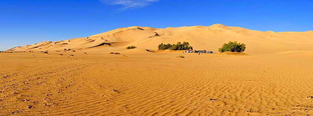 Tourist camp in the sand dunes of Erg Admer, Wilaya Illizi, Algeria, Sahara, North Africa