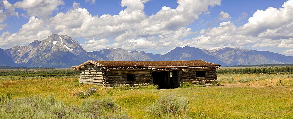 Historic Site, Cunningham Cabin Historic Ranch, Willow Flats off the Teton Range, Mount Moran, Grand Teton National Park, Wyoming, United States of America, USA
