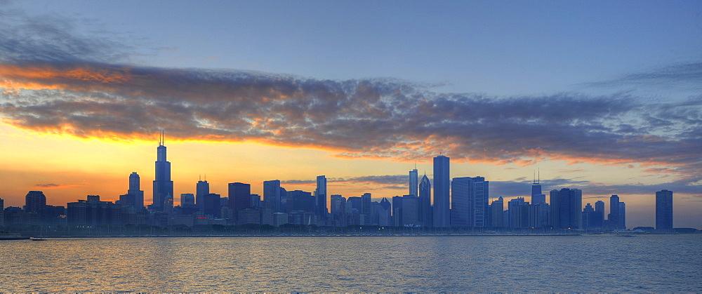 Dawn, Willis Tower, formerly the Sears Tower, 311 South Wacker, John Hancock Center, Aon Center, 77 West Wacker Drive, Two Prudential Plaza, Smurfit-Stone Building, Trump International Tower, skyscrapers on the skyline, Lake Michigan, Chicago, Illinois, U