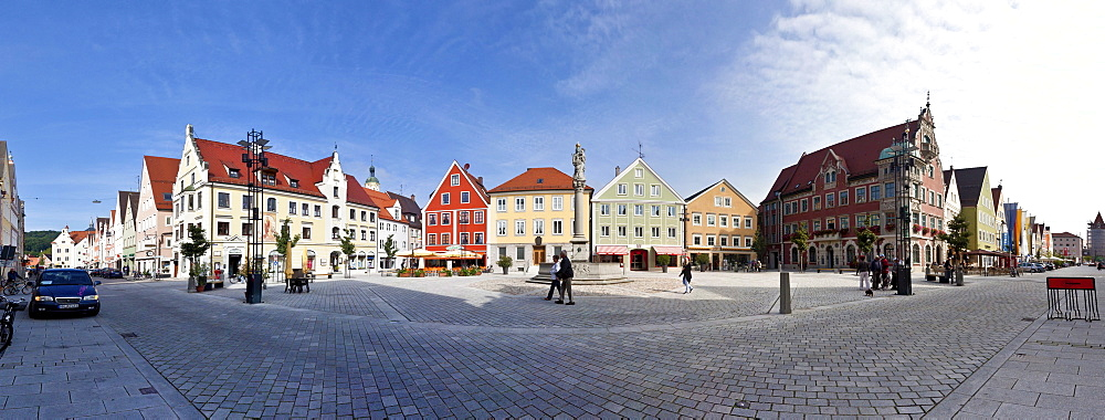 Marienplatz square and Town Hall, Mindelheim, Swabia, Unterallgaeu district, Bavaria, Germany, Europe