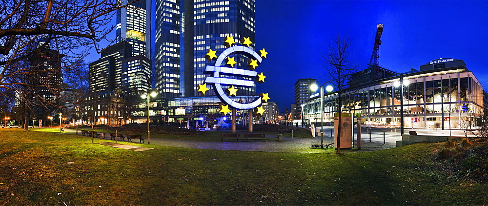 Euro sign in front of the ECB, European Central Bank, Frankfurt am Main, Hesse, Germany, Europe