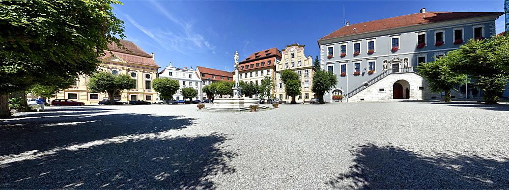 Karlsplatz square with Marienbrunnen fountain, Neuburg an der Donau, Bavaria, Germany, Europe