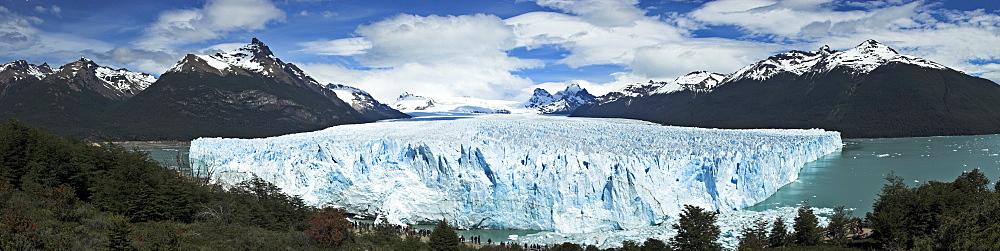 Panoramic shot of Perito Moreno Glacier, Lago Argentino, Patagonia, Argentina, South America
