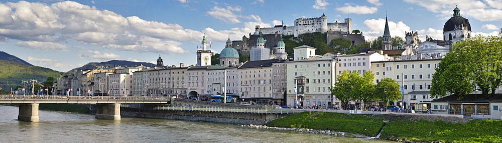 View of the historic centre of Salzburg and the Festung Hohensalzburg Fortress, River Salzach at front, Salzburg, Austria, Europe