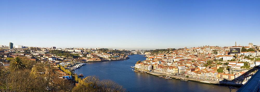 View from district Vila Nova de Gaia to the Old Town of Porto with River Rio Duoro, at the back Ponte de Arrabida Bridge, Porto, UNESCO World Heritage Site, Portugal, Europe