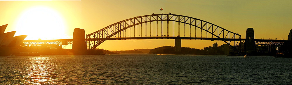 Panorama Harbour Bridge and opera, Sydney, New South Wales, Australia