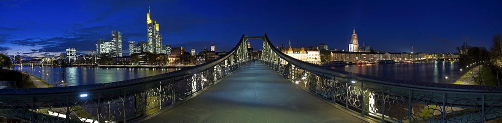 "360-degree panoramic view of Frankfurt's skyline and pedestrian bridge ""Eiserner Steg"", Frankfurt, Hesse, Germany"