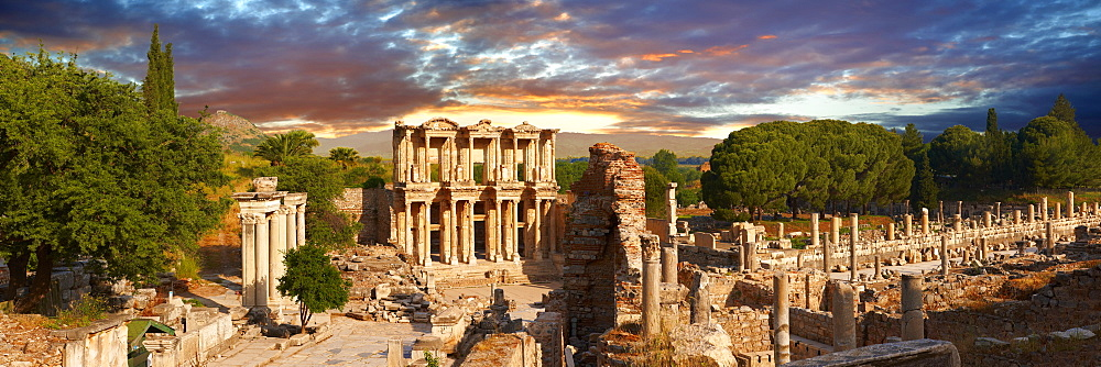 The Library of Celsus and the Agora to the right, Ephesus Archaeological Site, Anatolia, Turkey