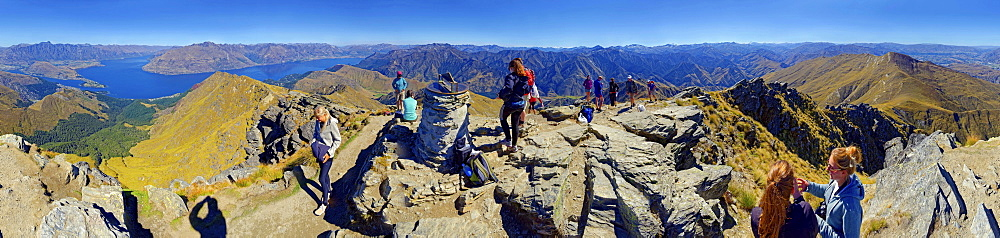 360  panoramic view from summit of Ben Lomond with hikers, Lake Wakatipu, Queenstown, Otago Region, South Island, New Zealand, Oceania