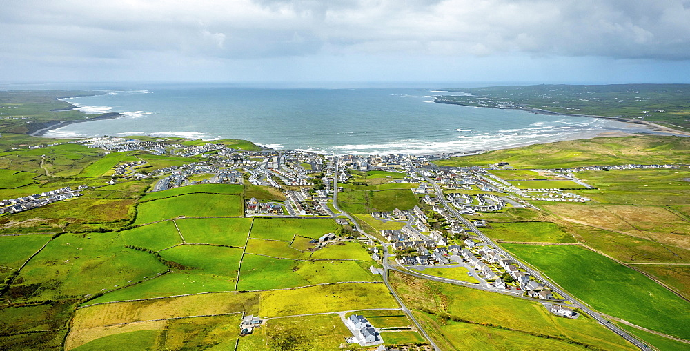 Lahinch, Liscannor Bay, County Clare, Ireland, Europe