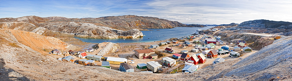 town view, Baffin Island (Qikiqtaaluk) Nunavut, Canada, North America