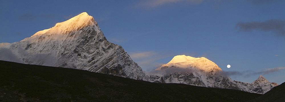 Tibetan  Mountain and Clouds. Sun Rise,  Himalayas, Tibet. - 986-138