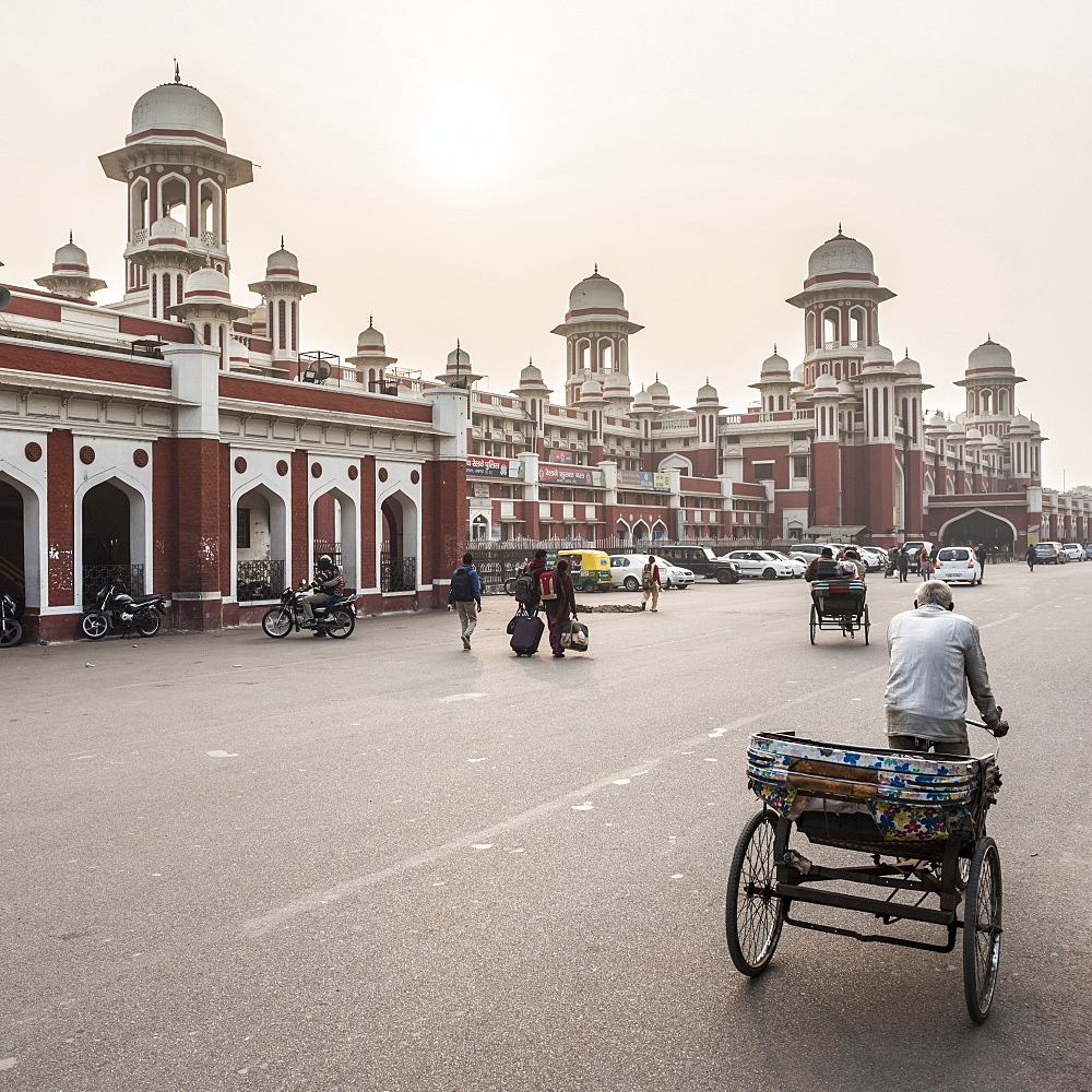 Lucknow train station, Uttar Pradesh, India, Asia
