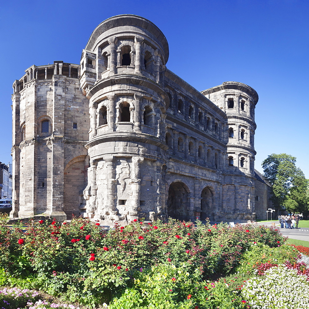 Roman city gate, Porta Nigra, UNESCO World Heritage Site, Trier, Mosel Valley, Rhineland-Palatinate, Germany, Europe