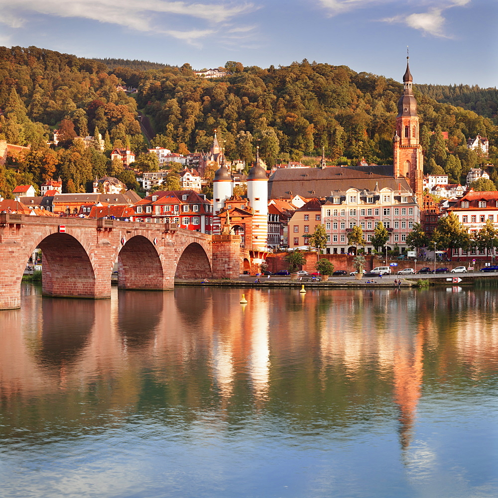 Old town with Karl-Theodor-Bridge (Old Bridge) and Castle, Neckar River, Heidelberg, Baden-Wuerttemberg, Germany
