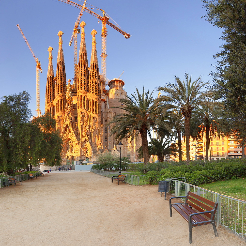Sagrada Familia, by architect Antonio Gaudi, UNESCO World Heritage Site, Barcelona, Catalonia, Spain, Europe