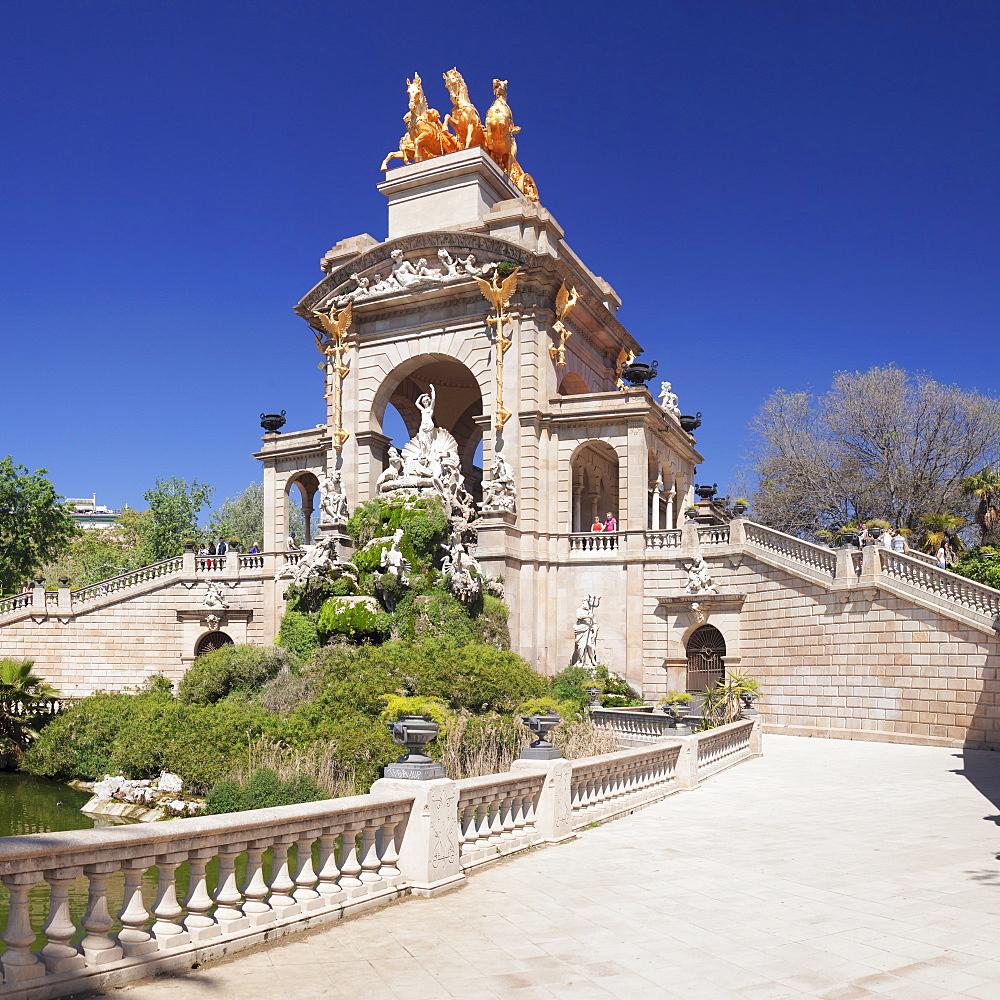 La Cascada, fountain with Quadriga de l'Auroa, architect Josep Fontsere, Parc de la Ciutadella, Barcelona, Catalonia, Spain, Europe