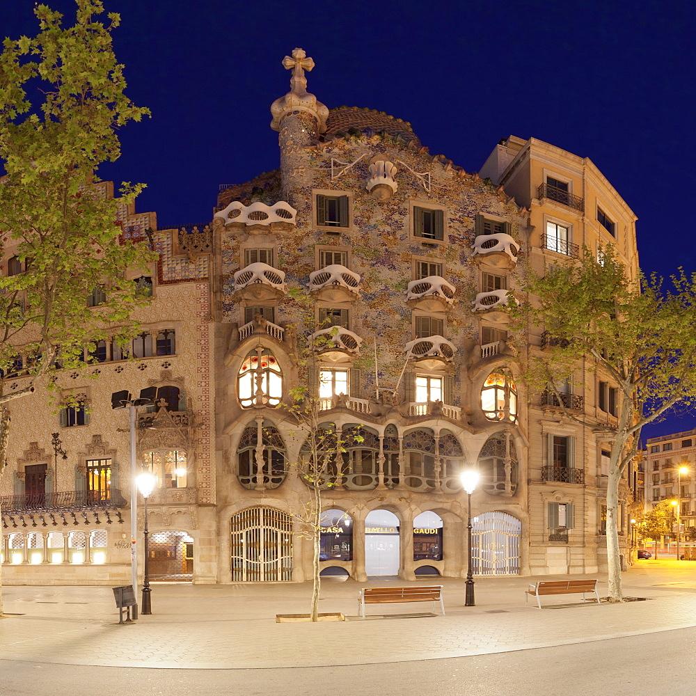 Casa Batllo, Antonio Gaudi, Modernisme, UNESCO World Heritage Site, Passeig de Gracia, Eixample, Barcelona, Catalonia, Spain, Europe