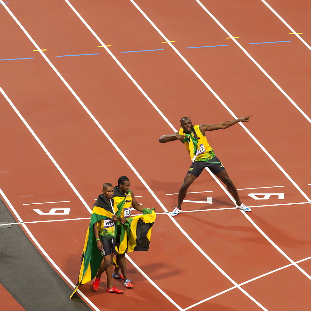 Usain Bolt after winning Men's 200m final, strikes lightning bolt pose, Stadium, London 2012, Olympic Games, London, England, United Kingdom, Europe