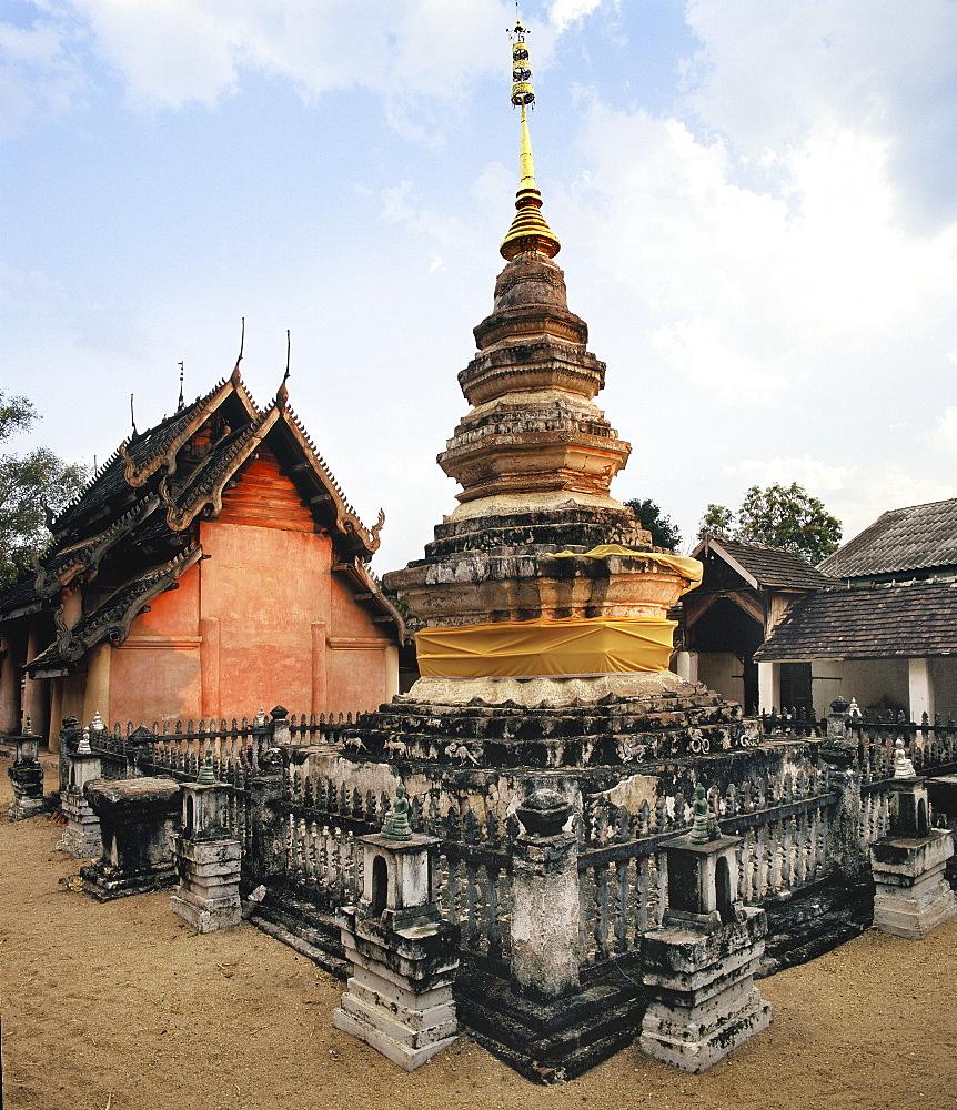 Lanna style Stupa and Viharn at Wat Lai Hin, Lampang, Thailand, Southeast Asia, Asia