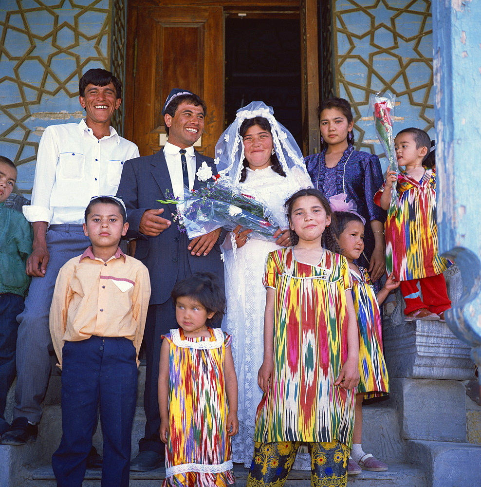 Uzbek wedding party, Sitorai Mohi Hossa (Summer Palace), Bukhara, Uzbekistan, Central Asia, Asia