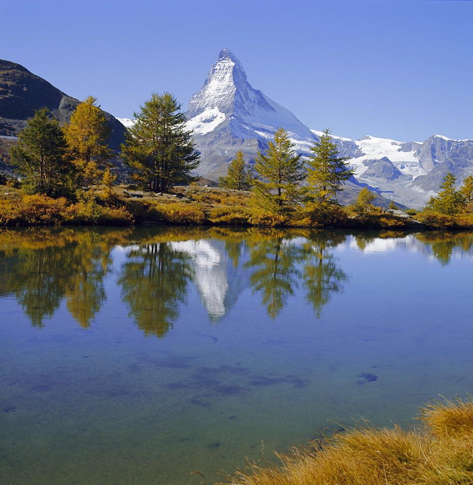 The Matterhorn mountain (4478m), Valais (Wallis), Swiss Alps, Switzerland, Europe - 399-4316