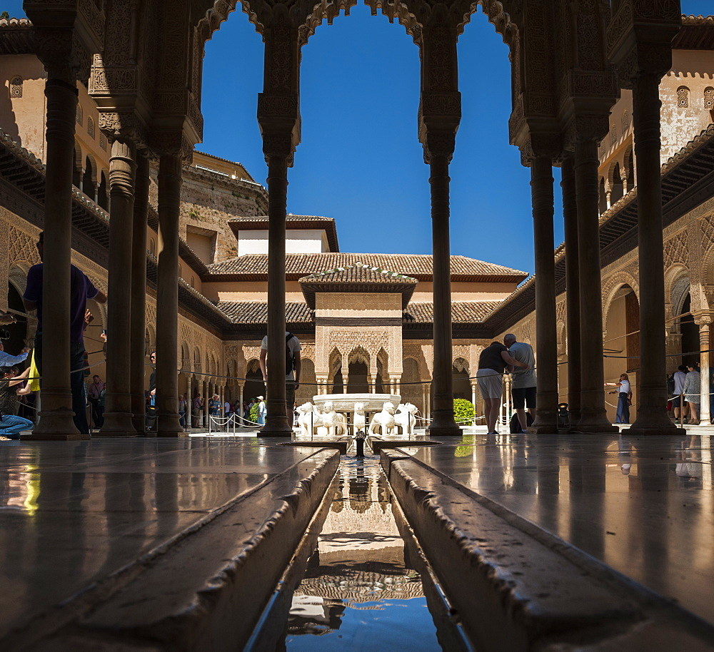 Court of the Lions, Alhambra, UNESCO World Heritage Site, Granada, Province of Granada, Andalusia, Spain, Europe