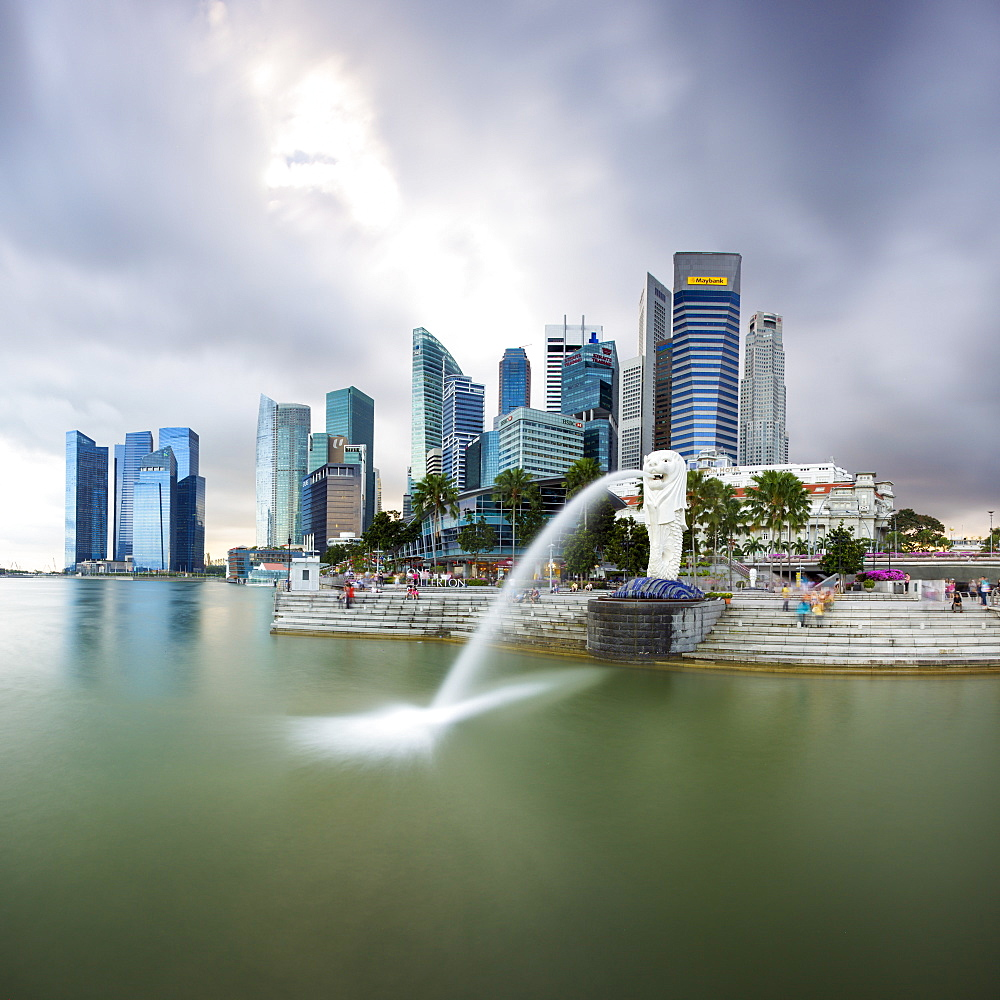 The Merlion Statue with the city skyline in the background, Marina Bay, Singapore, Southeast Asia, Asia  - 794-3599