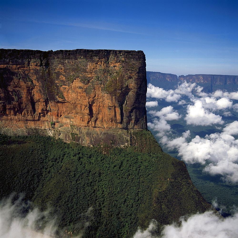 Aerial image of tepuis showing Mount Roraima (Cerro Roraima), Venezuela, South America