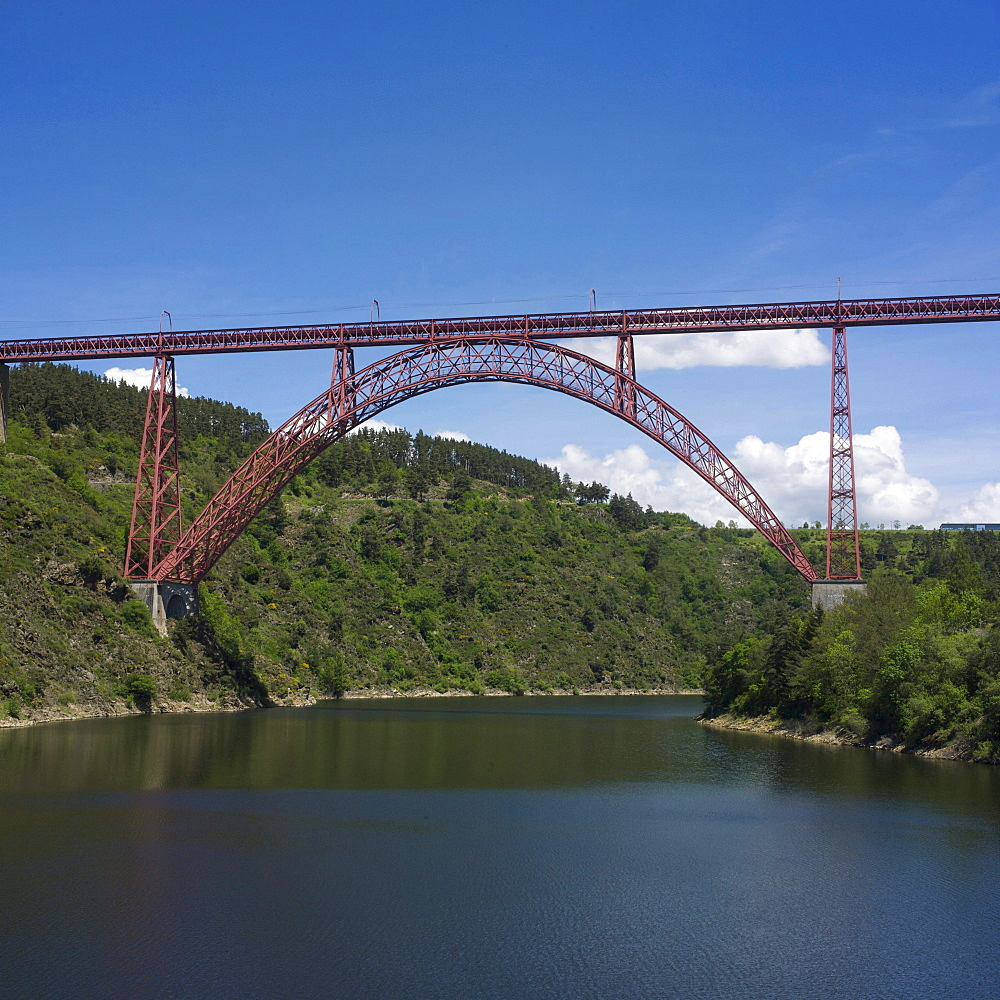 Viaduc of Garabit, built by Gustave Eiffel, Auvergne, France, Europe