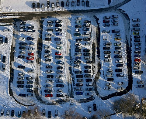 Aerial photo, parking lot of the Tengelmann store, Muelheim, Ruhr Area, North Rhine-Westphalia, Germany, Europe