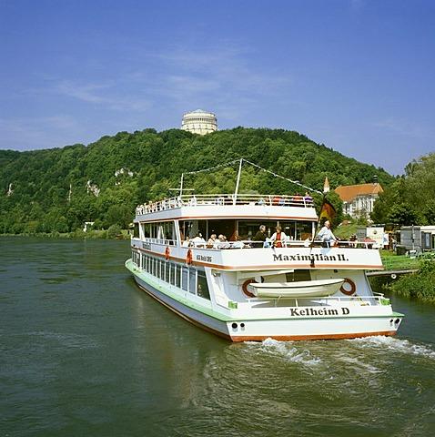 Befreiungshalle, Liberation Hall, above Danube ships, Kelheim upon the Danube, Lower Bavaria, Germany, Europe