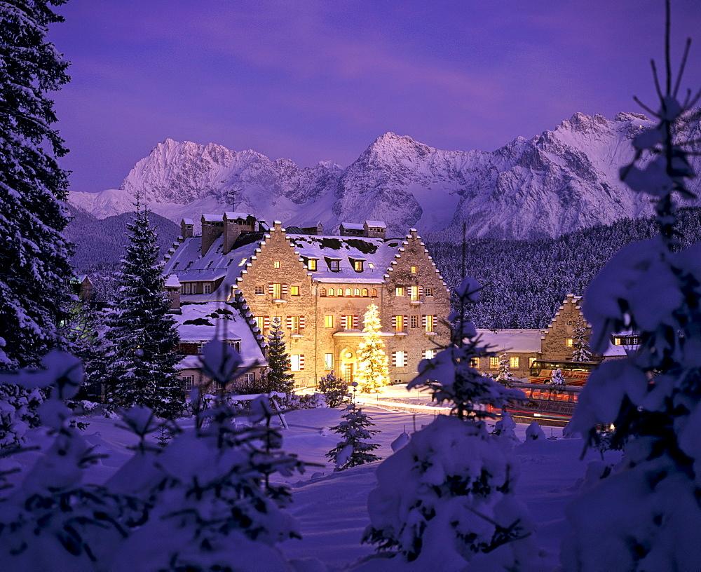 Kranzbach Castle in wintertime, Christmastime, Karwendel Range, Upper Bavaria, Bavaria, Germany, Europe