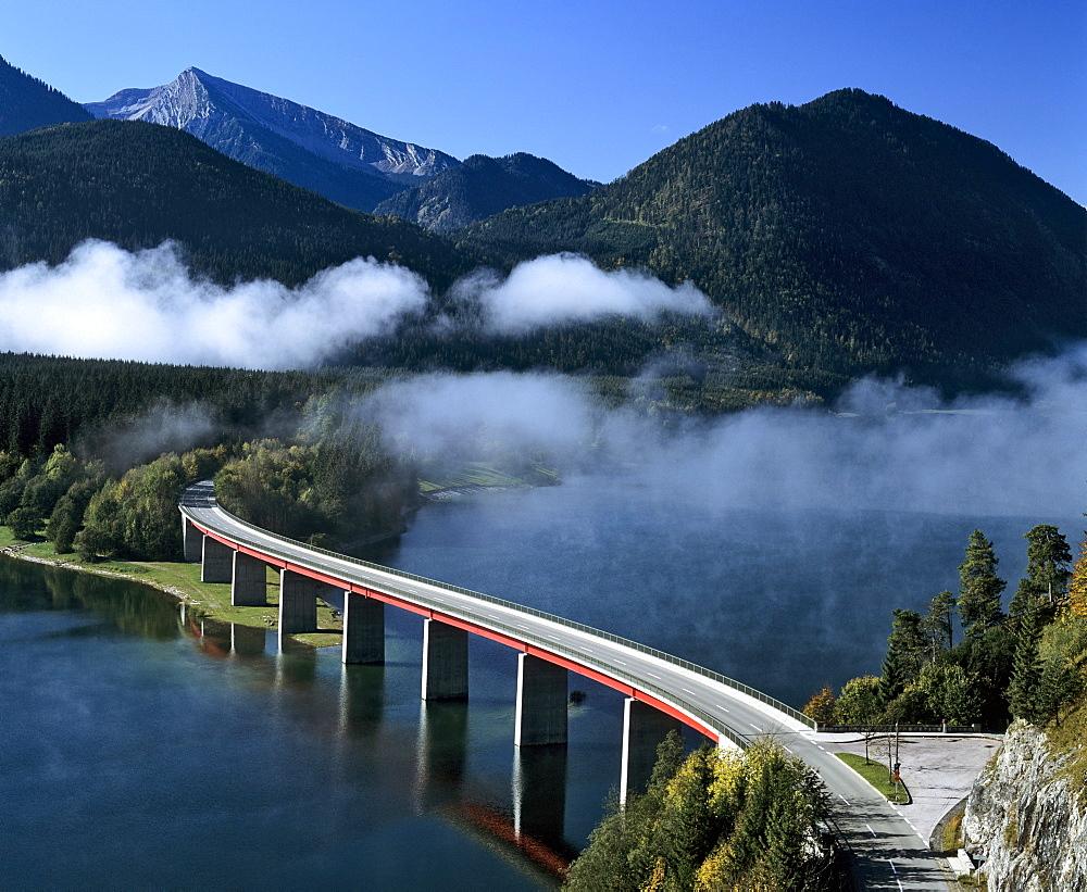 Sylvenstein bridge, Sylvenstein reservoir, autumn, Isar, Upper Bavaria, Germany