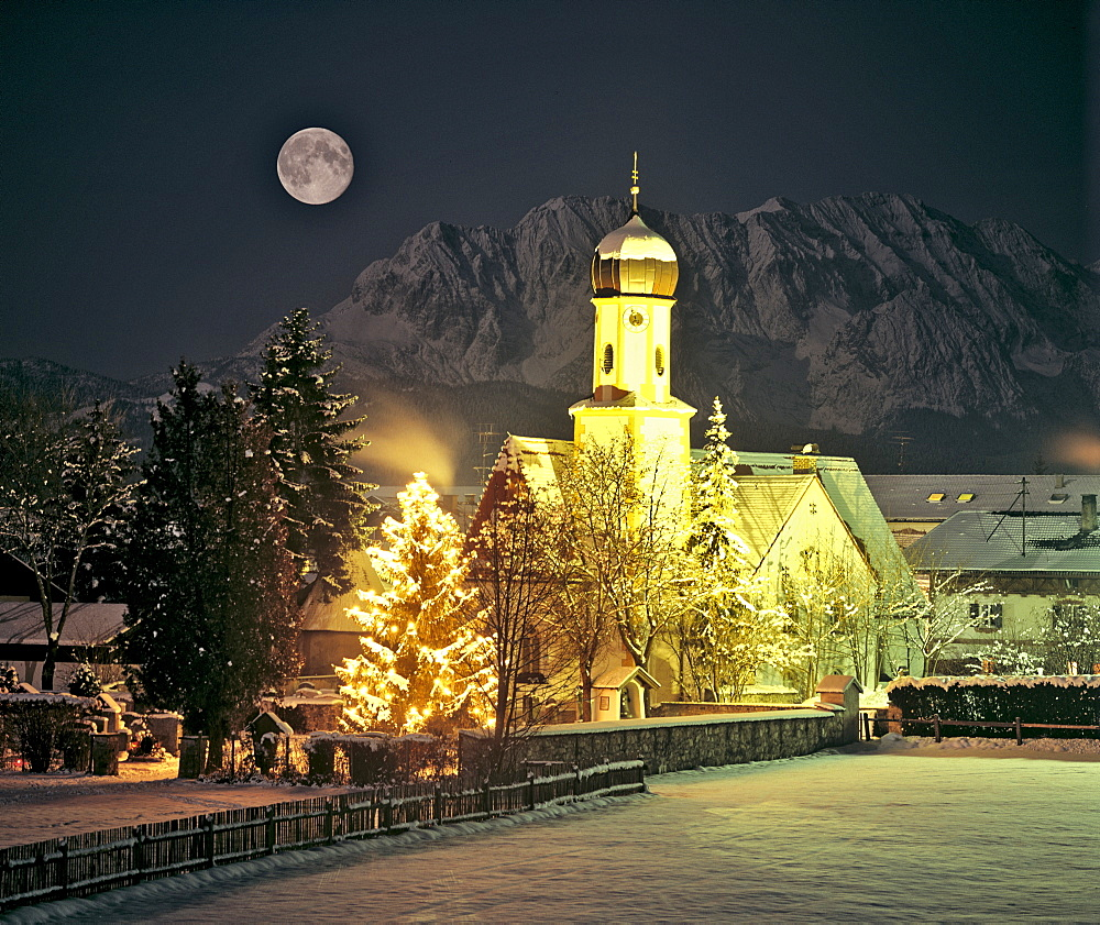 Church, Christmas tree by full moon, Wallgau, Wetterstein Range, Isar River Valley, Upper Bavaria, Bavaria, Germany, Europe
