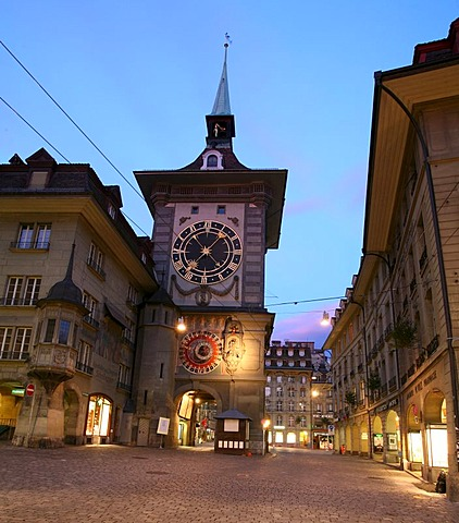 UNESCO world heritage historic city center with traditional houses and the Zytglogge clock tower, Berne, Berne canton, Switzerland