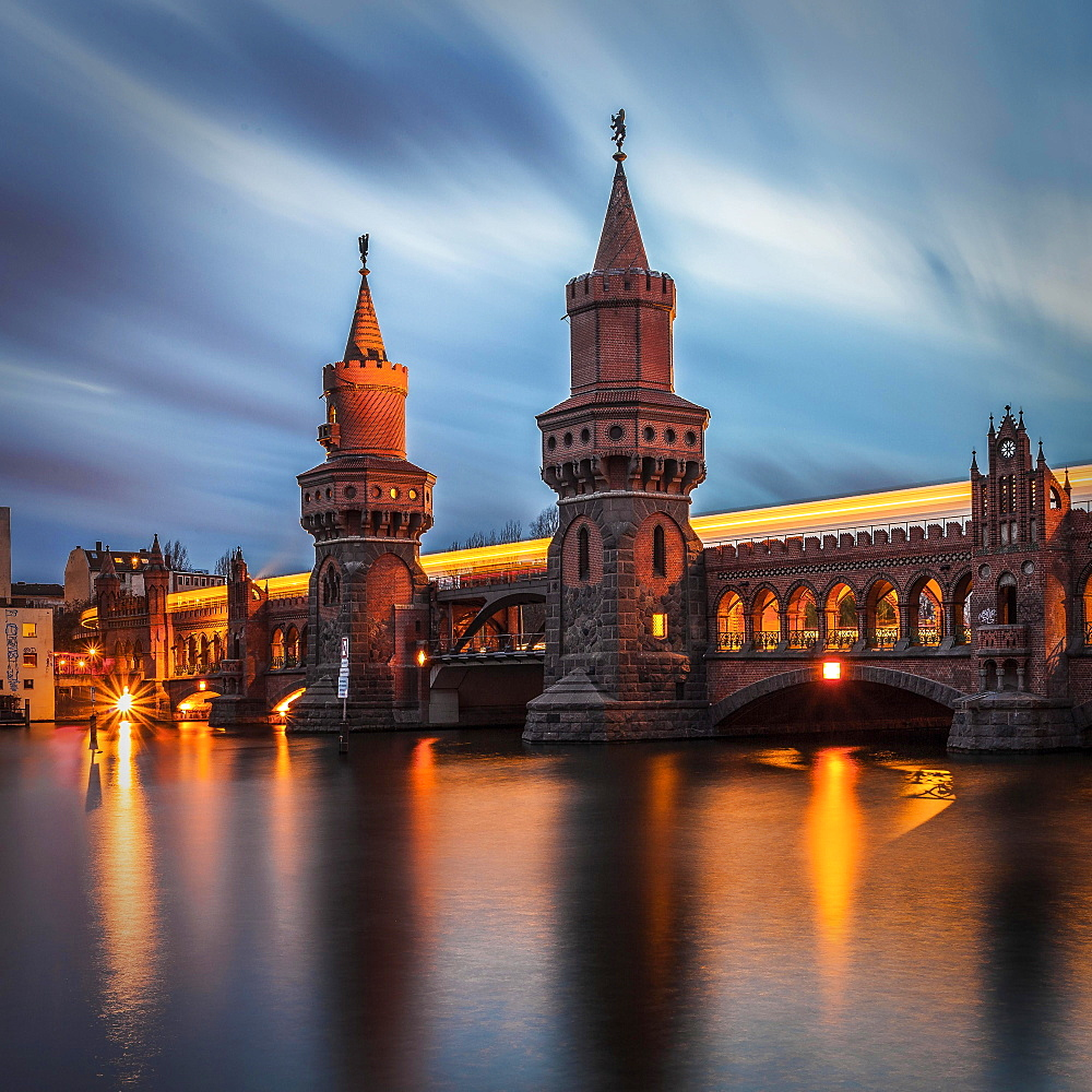 River Spree with Oberbaum bridge at dusk, Berlin, Germany, Europe