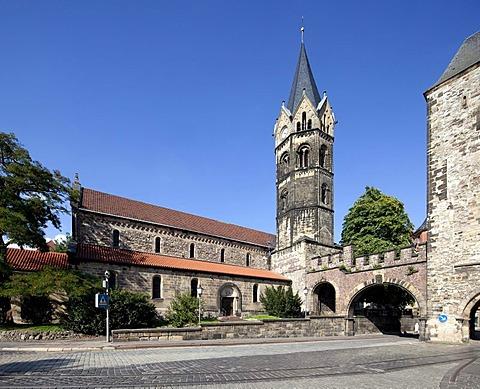 Nikolaikirche church, Nikolaitor, a medieval city gate, Karlsplatz square, Eisenach, Thuringia, Germany, Europe, PublicGround