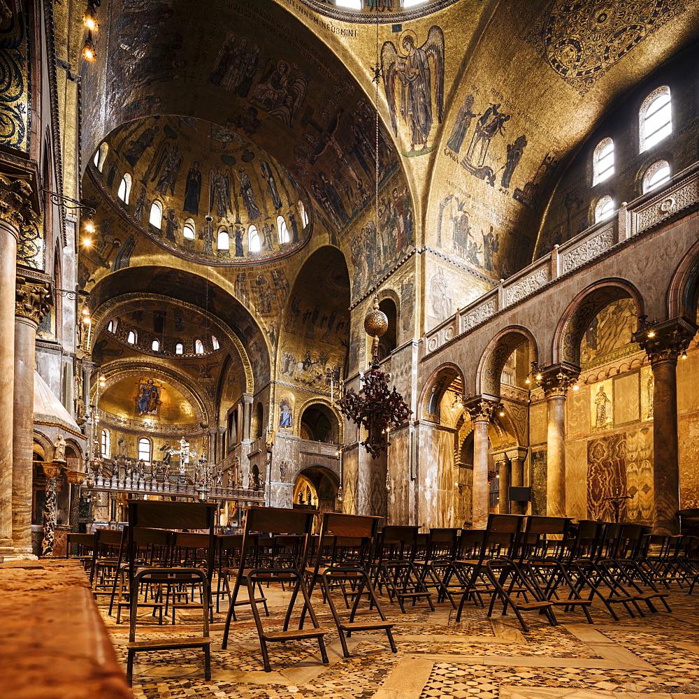 Interior of St. Mark's Cathedral (Basilica di San Marco), Venice, UNESCO World Heritage Site, Veneto Province, Italy, Europe