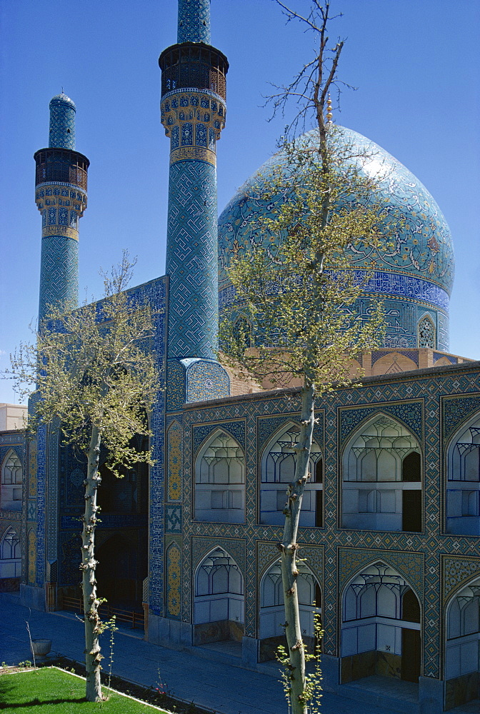 Madrasah-ye Chahar Bagh, formerly the Theological College of the Mother of the Shah, Isfahan, Iran, Middle East