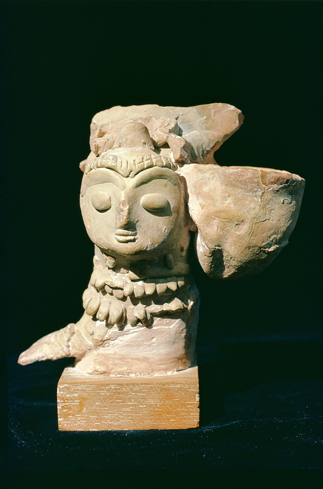 Mother Goddess statue from Mohenjodaro, Indus Valley Civilisation, Karachi Museum, Karachi, Pakistan