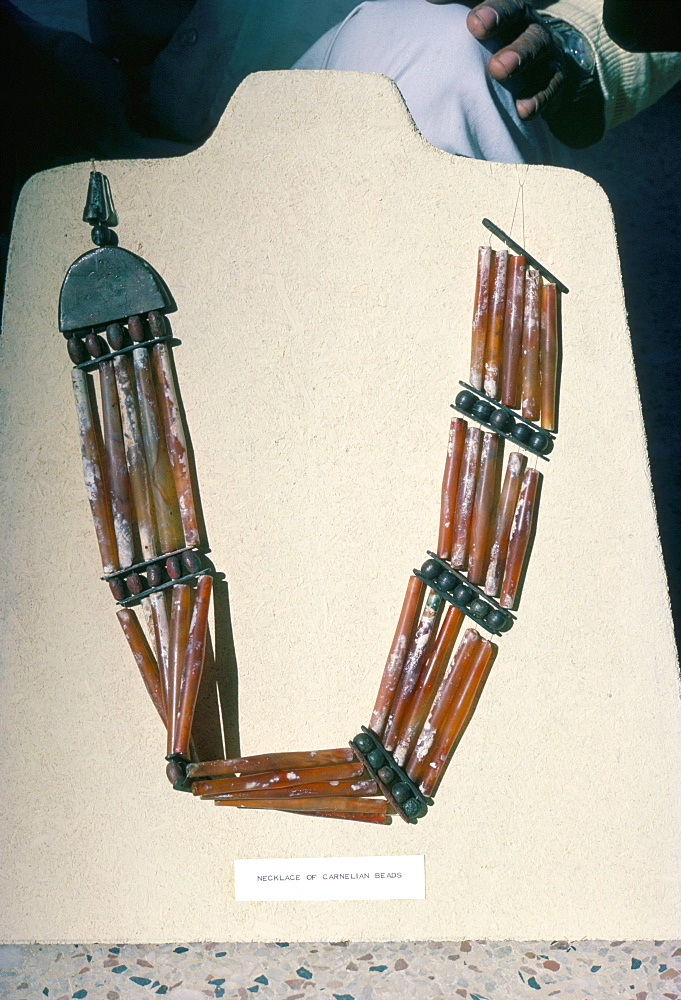Necklace of carnelian beads, Mohenjodaro, Pakistan, Asia