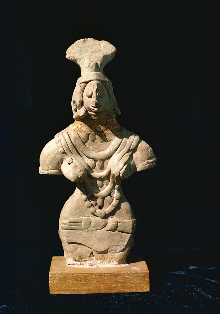Female statue from Mohenjodaro, Karachi Museum, Pakistan, Asia
