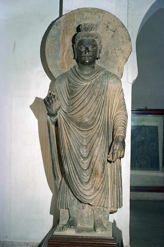 Statue of the Buddha from Taxila, Peshawar Museum, Pakistan, Asia